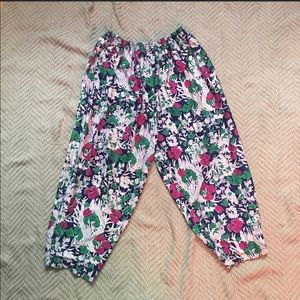 RePoshing*** Cute cropped Floral Pants